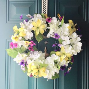 Quick And Easy DIY Spring Wreath And Florals