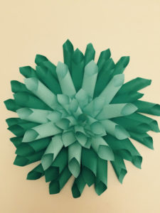 PAPER DAHLIA FLOWERS & MORE DORM ROOM IDEAS