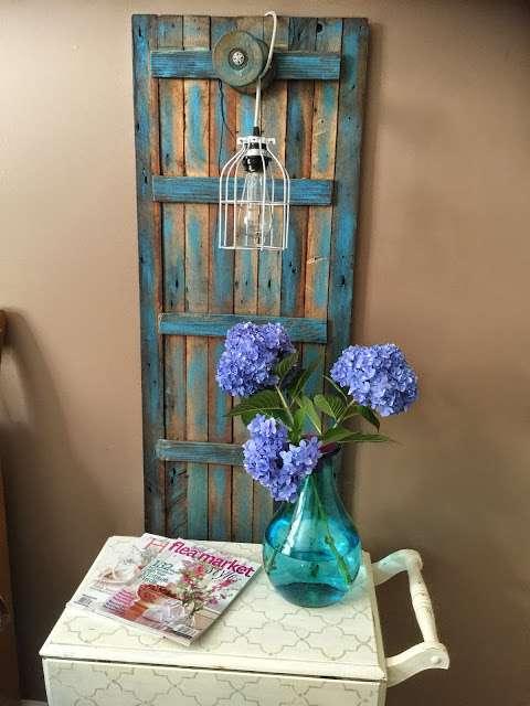 diy light from upcycled shutter