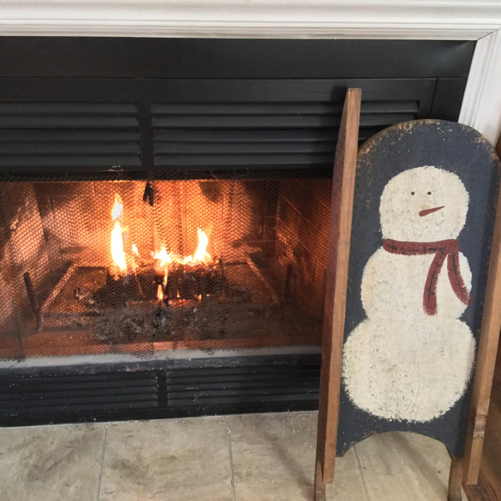 winter snowman mantel