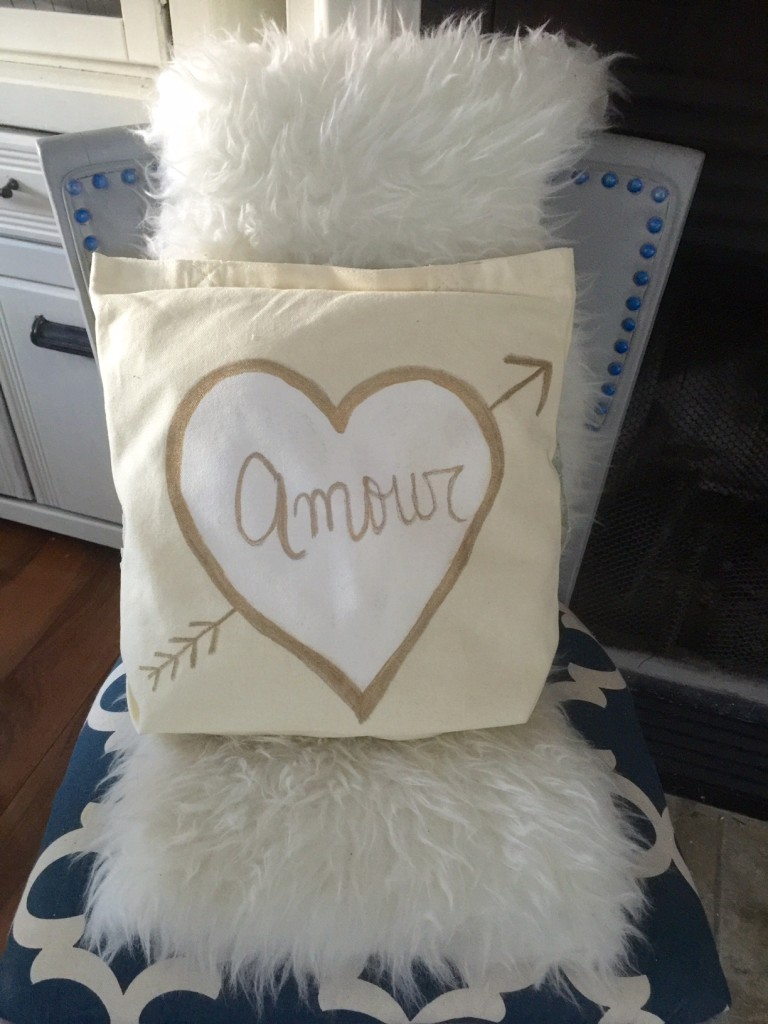 Amour No-Sew Pillow