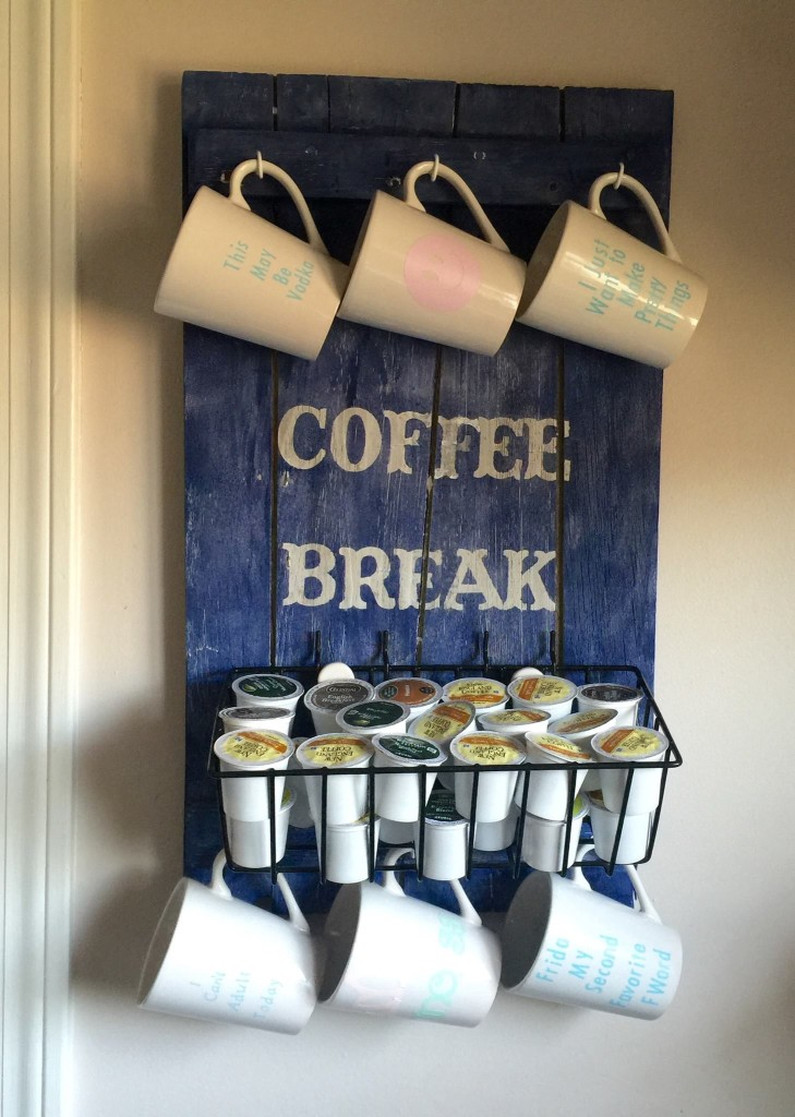DIY Pallet Coffee Station