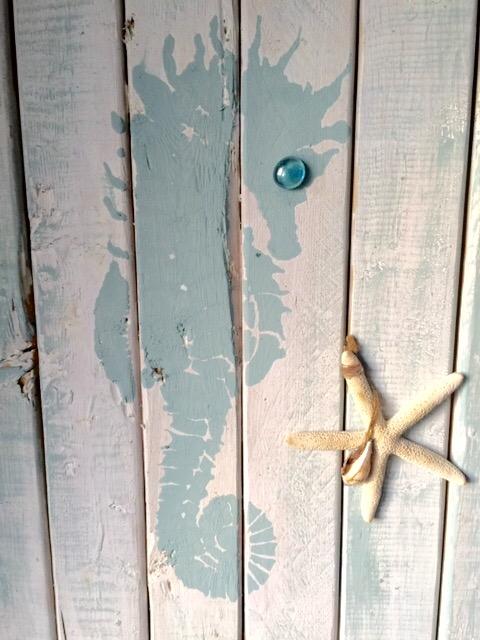 Seahorse Pallet Art