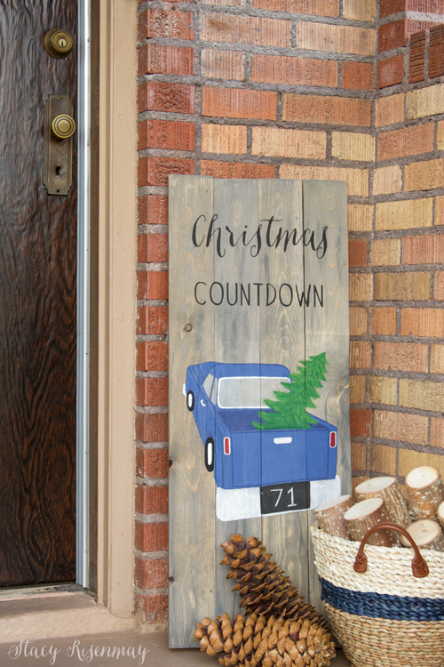 http://www.notjustahousewife.net/2016/10/christmas-countdown-sign.html