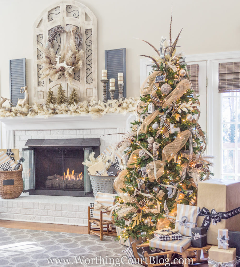 https://www.worthingcourtblog.com/christmas-tree-and-mantel/