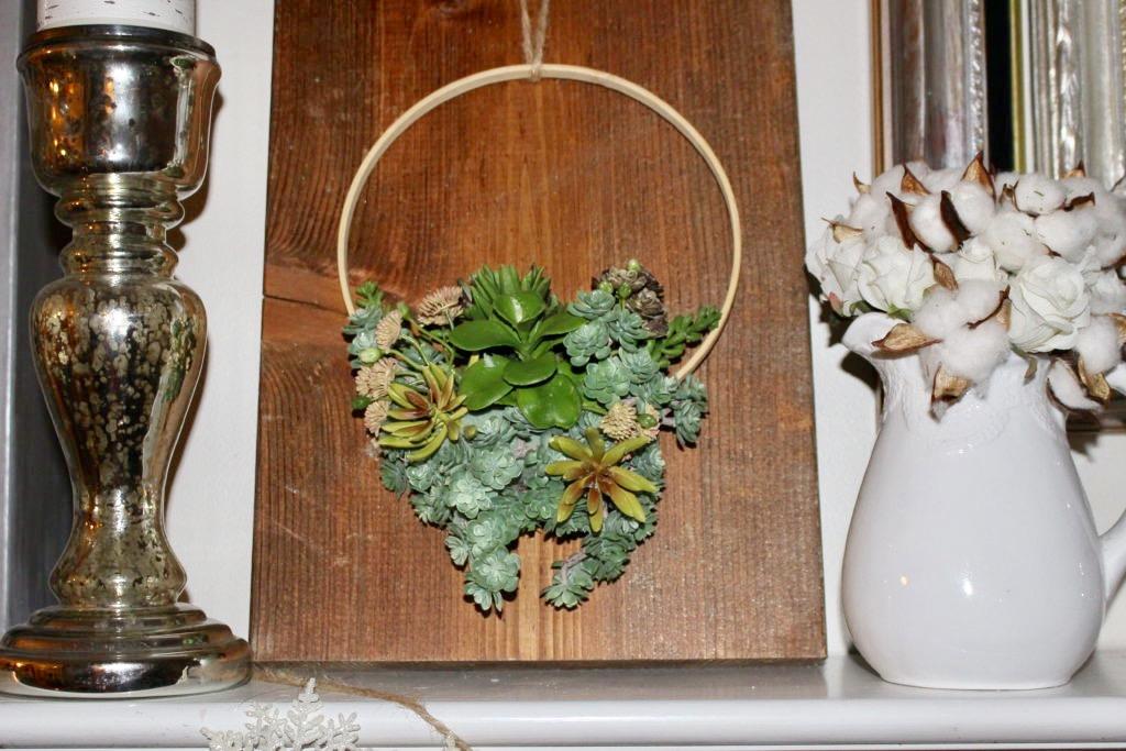 DIY Faux Succulent Embroidery Hoop Wreath #succulents #wreaths