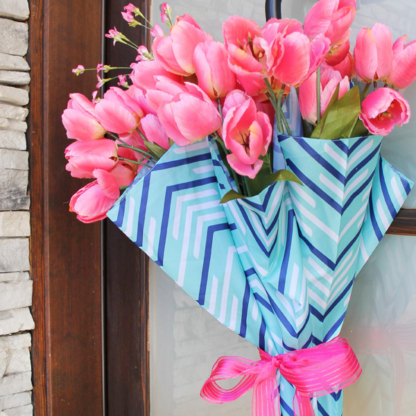 25+ Beautiful DIY Spring Wreaths Our Crafty Mom #springwreaths #spring #wreaths