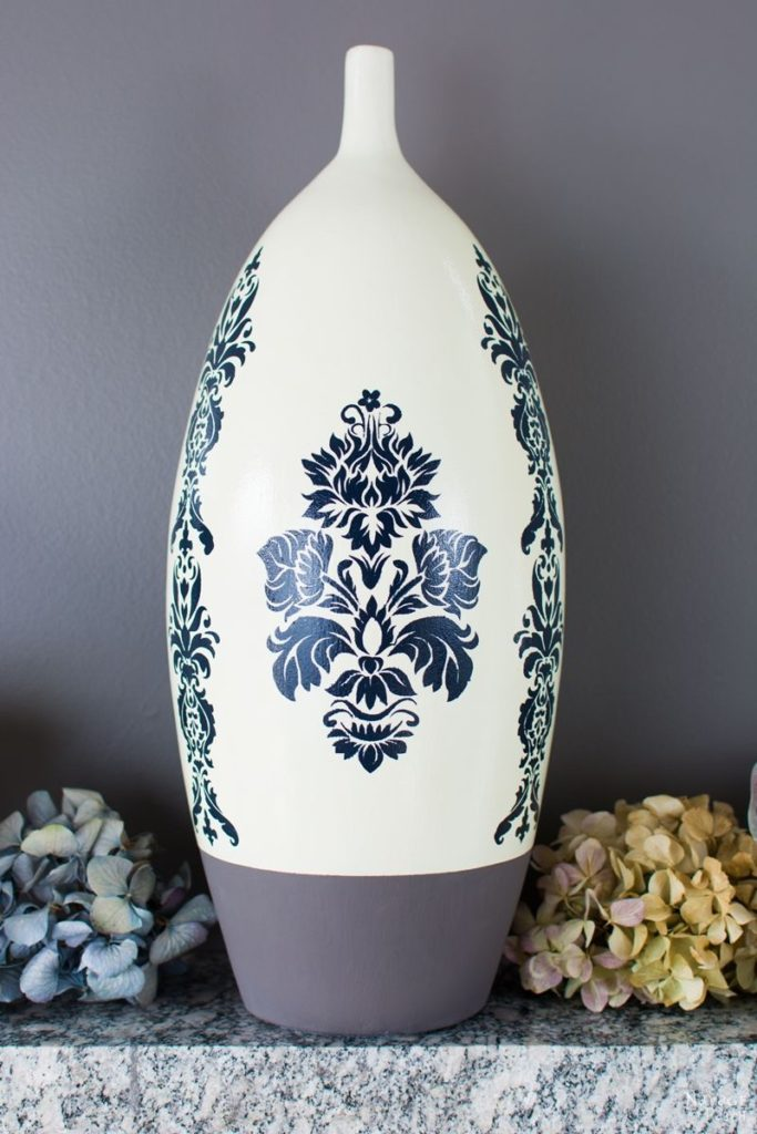 http://www.thenavagepatch.com/ceramic-vase-makeover/