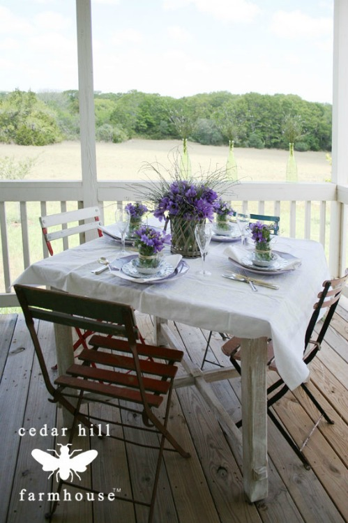 https://cedarhillfarmhouse.com/2017/07/outdoor-entertaining-ideas.html