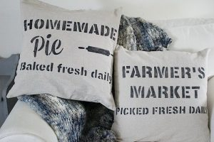 DIY Farmhouse Stenciled Pillows-Monthly Craft Destash
