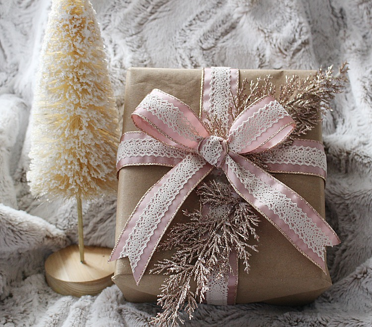 5 Easy Christmas Gift Wrapping Ideas & Blog Hop Our Crafty Mom #bloghop #christmaswrapping