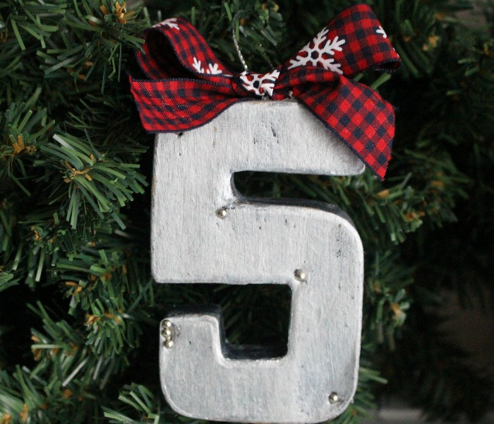 How To Make A Farmhouse Style Ornament & Blog Hop - Our Crafty Mom