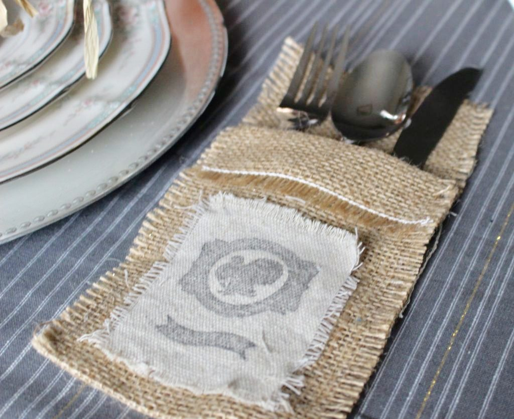 https://ourcraftymom.com/thanksgiving-burlap-silverware-holder/