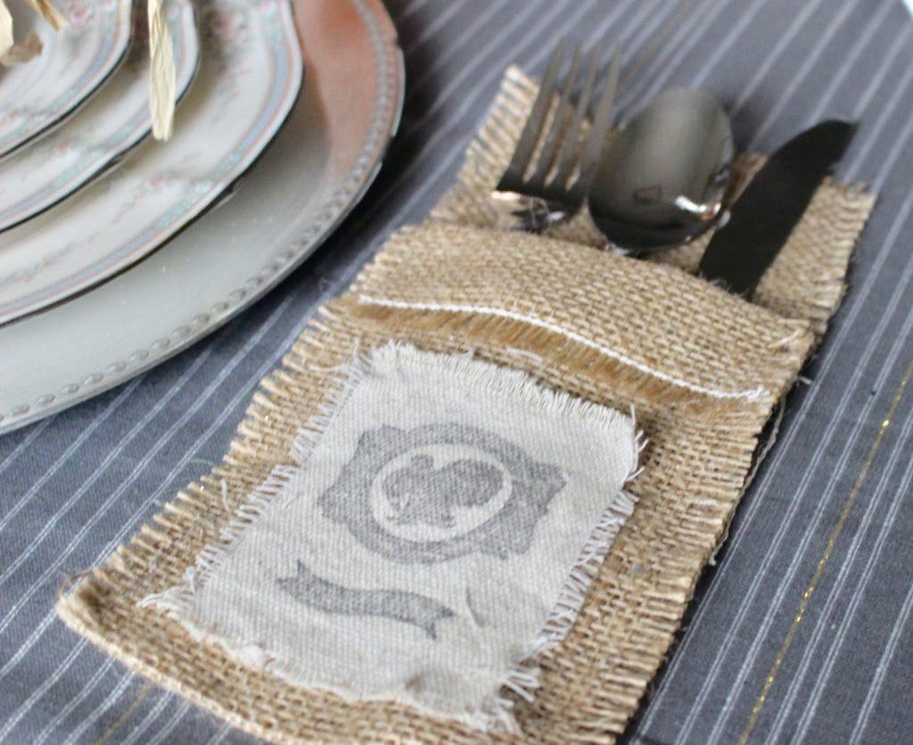 https://ourcraftymom.com/thanksgiving-burlap-silverware-holder/