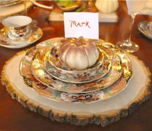 Thanksgiving Blog Hop-Tablescapes-Recipes & DIY Ideas