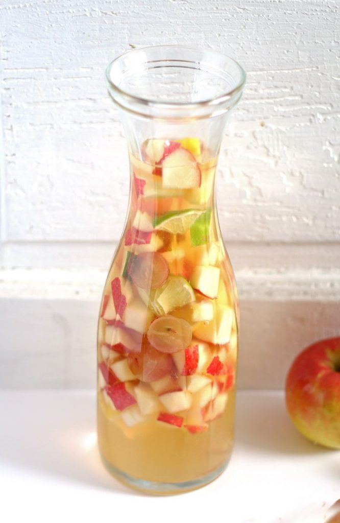 5 Holiday Sangria Recipes and Merry Monday #183 5- Our Crafty Mom #holidaysangria #holidaycocktails #merrymonday