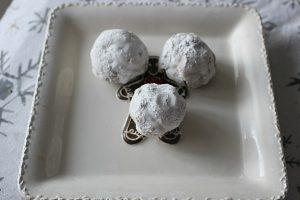 Hershey's Kiss Chocolate Snowball Cookies