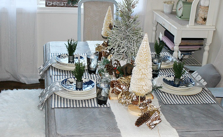 Holiday Home Tour Blog Hop 2017 Our Crafty Mom #christmas tablescape #hometour