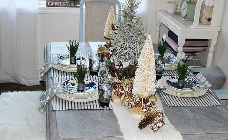 Holiday Home Tour Blog Hop 2017 Our Crafty Mom #christmas tablescape #hometour