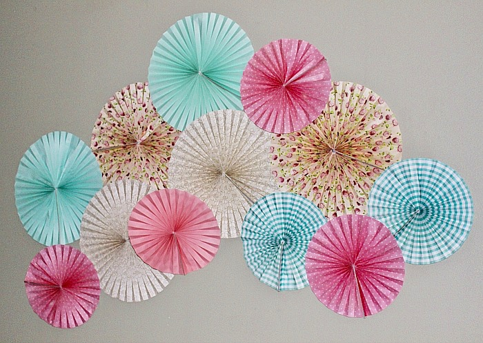 Create A Beautiful Feature Wall With Paper Fans Our Crafty Mom #confessyourmess #craftroomchallenge