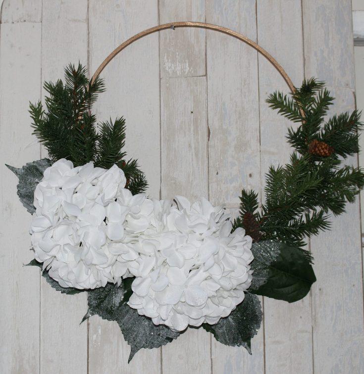 DIY Embroidery Hoop Winter Wreath
