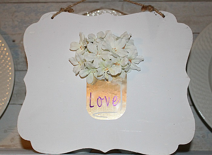 Vinyl Mason Jar Valentine's Day Sign - Our Crafty Mom #valentine'sdaydecor #cricutmade craftandcreatewithcricut