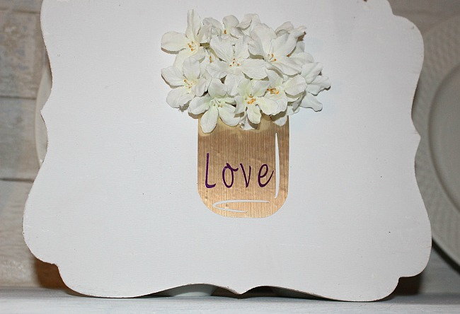 Vinyl Mason Jar Valentine's Day Sign - Our Crafty Mom #cricut #vinyl #valentinesday