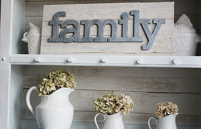 7 Easy Ways To Add Farmhouse Charm To Your Home-MM #191 Our Crafty Mom #farmhouse #farmhousedecorating