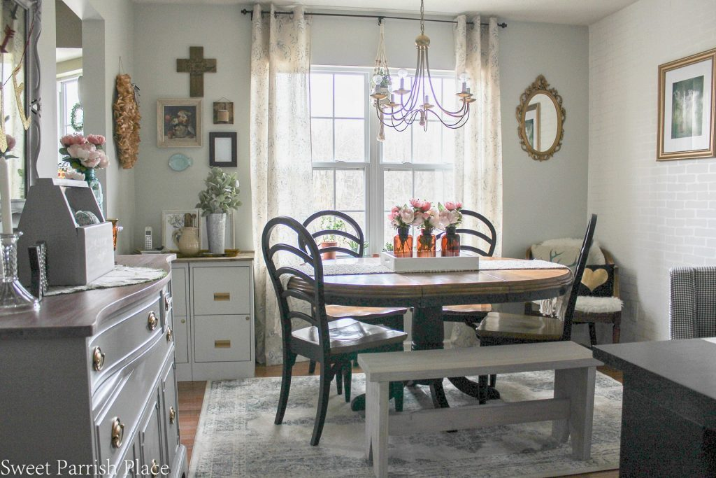 7 Easy Ways To Add Farmhouse Charm To Your Home-MM #191 Our Crafty Mom #farmhousedecor #farmhousedecorating