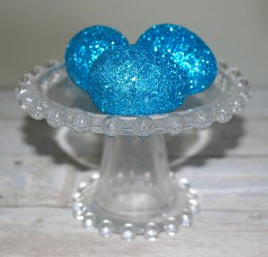 How To Make Gorgeous Glitter Easter Eggs