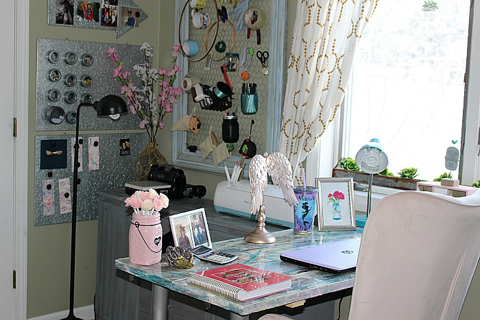 My Pretty In Pink And Gold DIY Craft Room Our Crafty Mom #craftroomchallengemakeover #diycraftroom