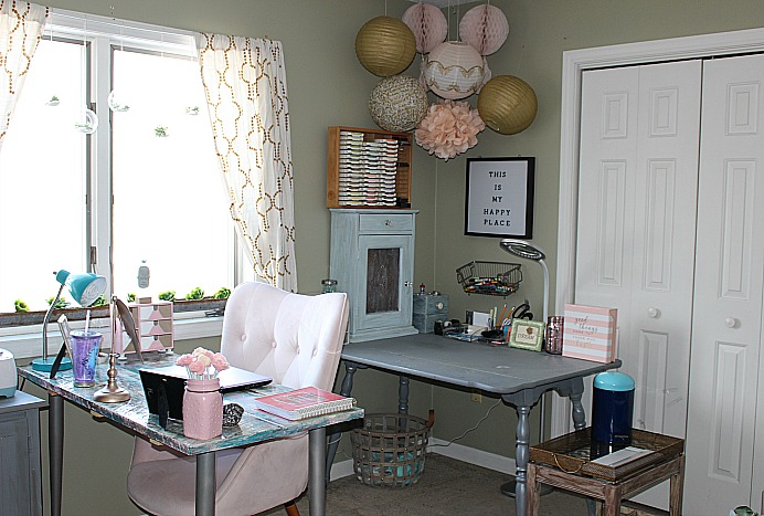 My Pretty In Pink And Gold DIY Craft Room Our Crafty Mom #pinkandgolddecorideas #craftroomchallenge #diycraftroom