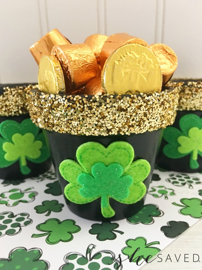 Simple & Fun St. Patrick's Day Crafts, Recipes And Decor MM #192 Our Crafty Mom #stpatricksday #crafts