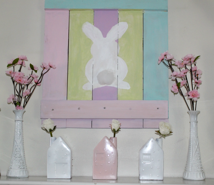 How To Make An Adorable Pallet Wood Spring Bunny Sign & Giveaway!! #palletsign #bunnysign #spring #pallets
