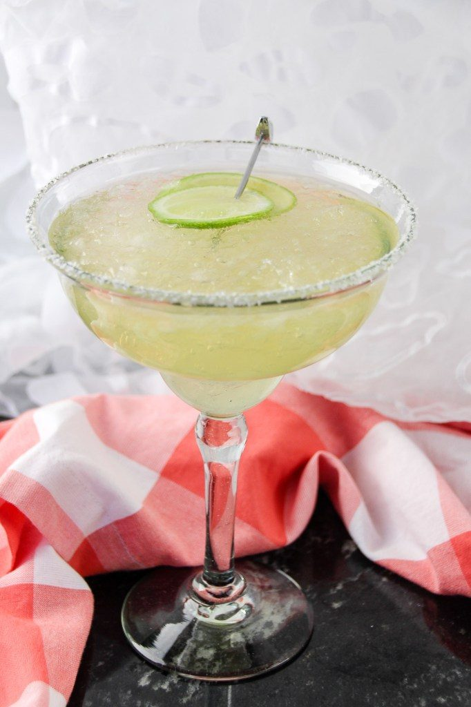 22 Delicious Margarita Recipes Perfect For Cinco de Mayo Our Crafty Mom #cincodemayo #recipes #margaritas