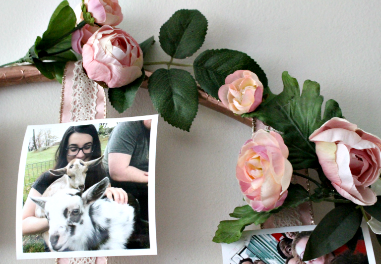 How To Make A DIY Floral Photo Hoop Our Crafty Mom #graduationdecor #weddingdecor #farmhousehens #repurposed #diy