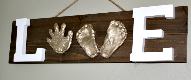 Make A Keepsake Baby Hand Print Love Sign Our Crafty Mom #fathersdaygift #babyhandprint #giftidea #airdryclay @Activaproducts