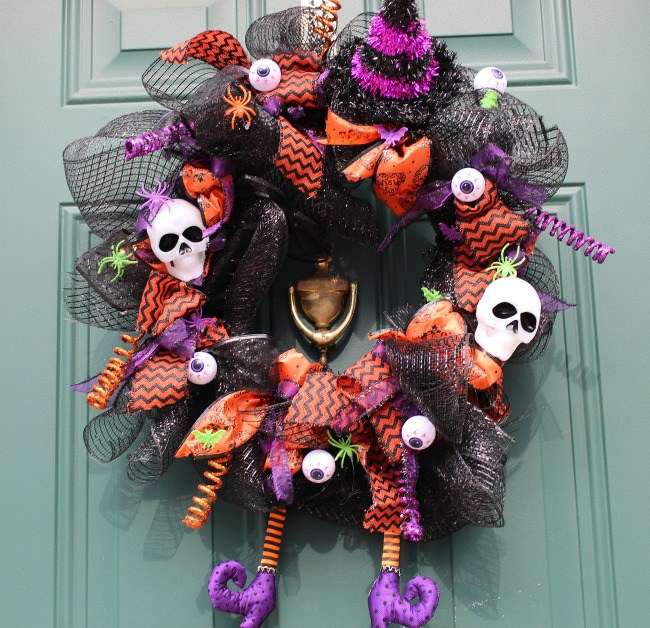 DIY Halloween Witch Wreath - Our Crafty Mom guest post on Centsible Chateau