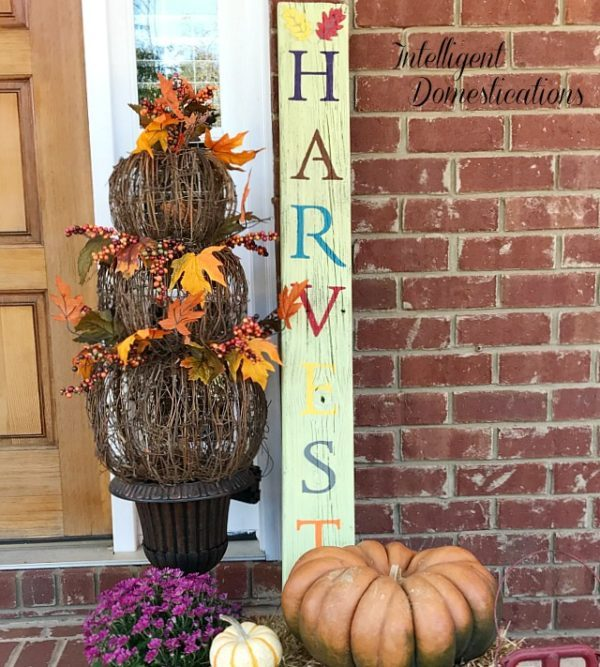 How-To-Make-A-HARVEST-Sign-from-Reclaimed-Wood SIgn
