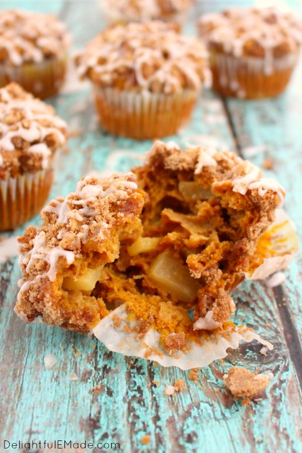 Pumpkin-Apple-Streusel-Muffins-DelightfulEMade.com