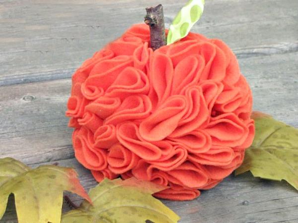 Ruffled-felt-pumpkin-tutorial