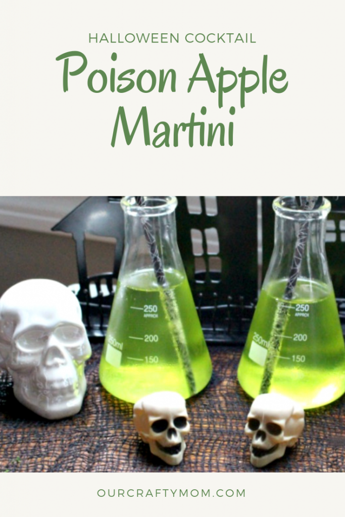 Poisoned Apple Martini Our Crafty Mom #ourcraftymom #halloweencocktails #applemartini