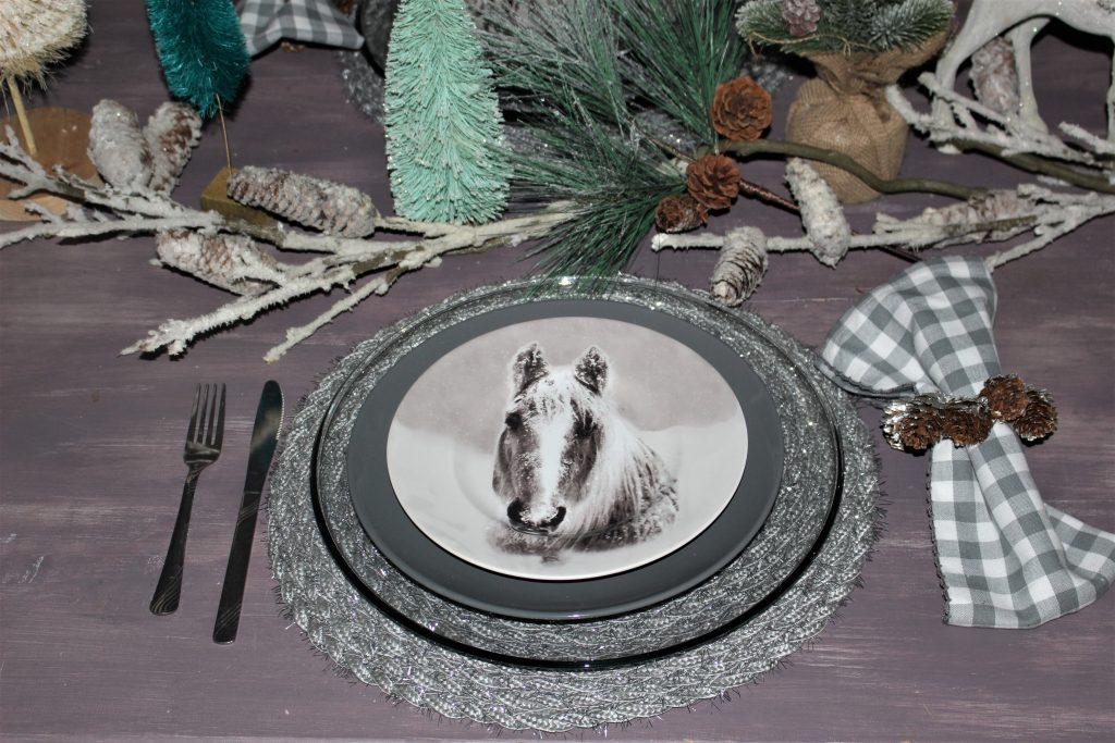 horse christmas setting