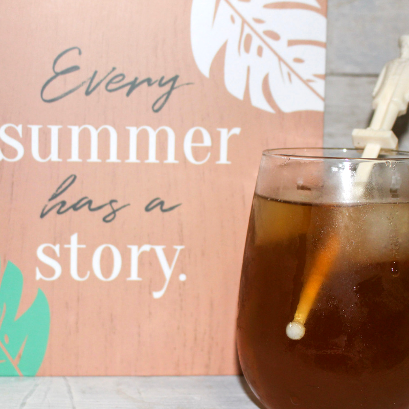 summer iced tea with wall sign from decocrated subscription