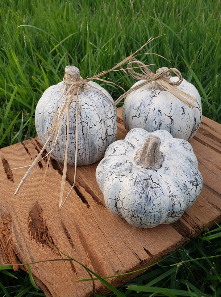 dollar store pumpkins painted with crackle paint