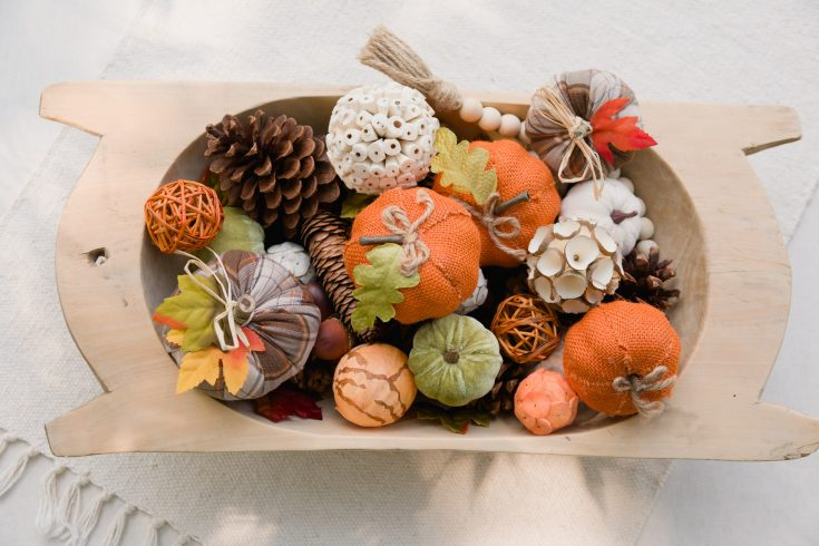 Easy Fall Centerpieces in Minutes Rustic Dough Bowl Arrangements