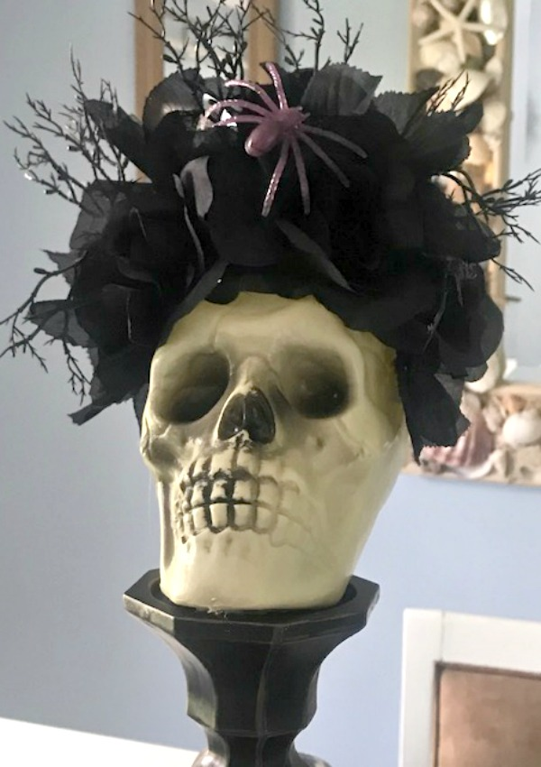 halloween skull with black roses