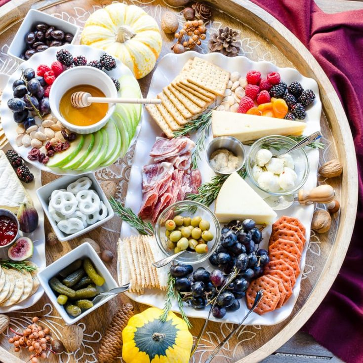How to Plan the Ultimate Charcuterie Board for Entertaining
