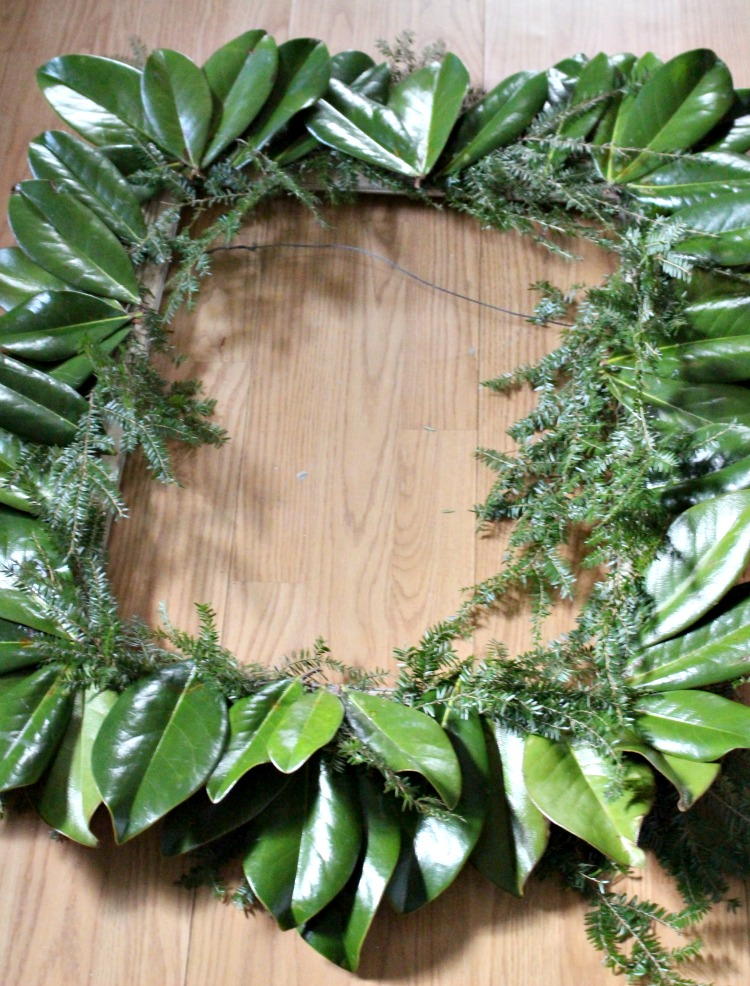 How To Preserve Magnolia Leaves For Holiday Decorating