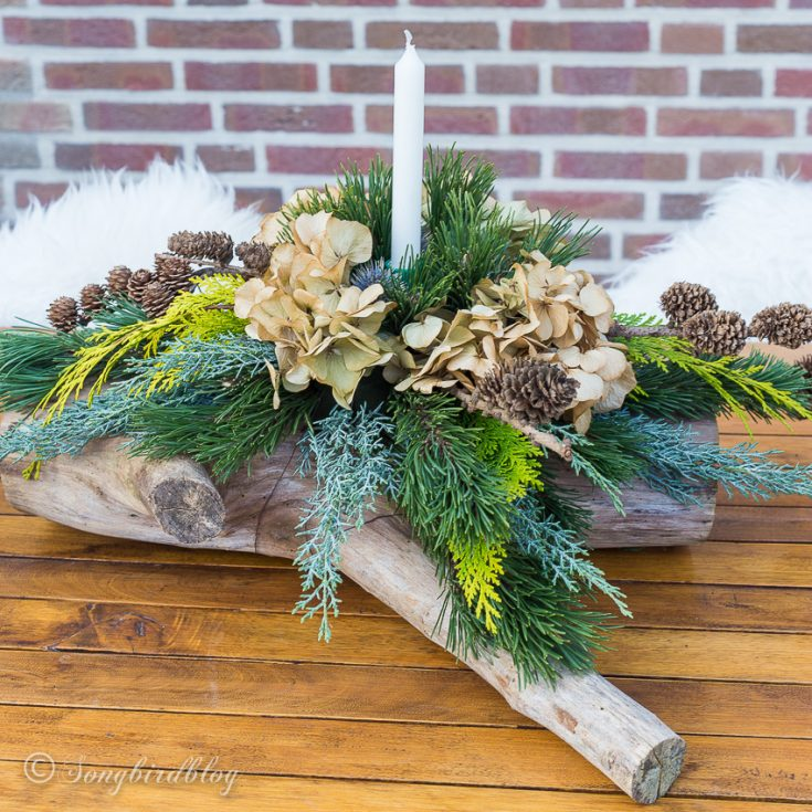 I learned form the best! How to make fresh Christmas table decorations
